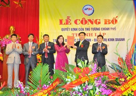 Le cong bo thanh lap truong Dai hoc Tai Chinh Quan Tri Kinh Doanh