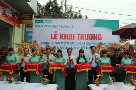 Khai truong phong giao dich Navibank Pho Hien - TPHung Yen - Tinh Hung Yen