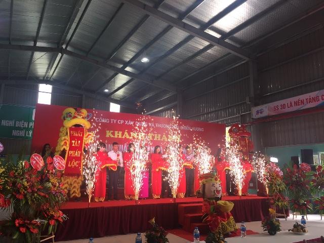 Le khanh thanh Nha may san xuat tu dien va thang mang cap Cong ty Chien Huong