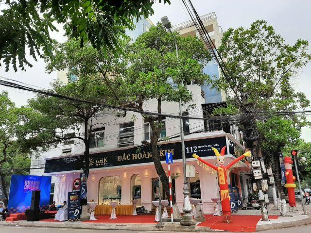 Le khai truong cua hang Dac Hoang Kim Jewelry
